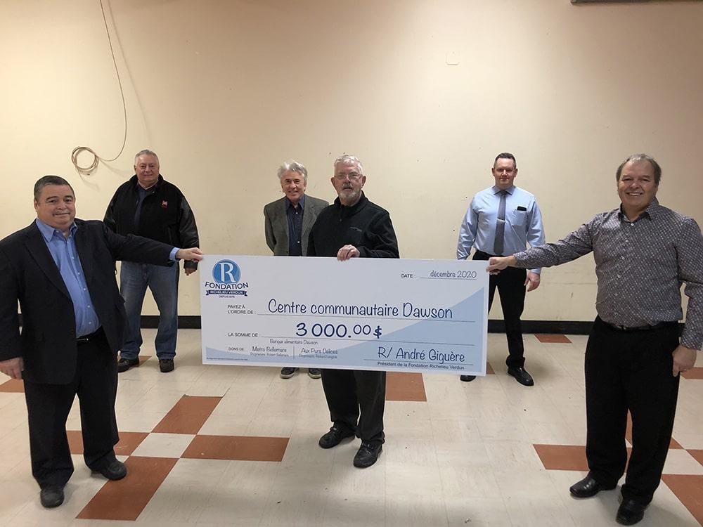 Don de 3 000 $ à Centre communautaire Dawson